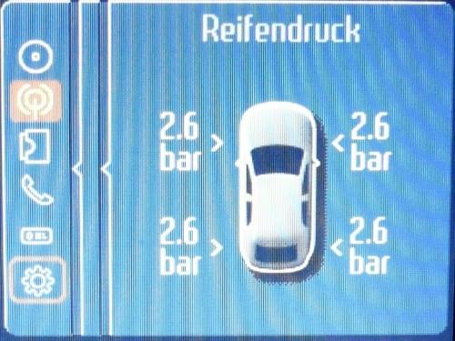 Anzeige des Reifendrucks auf dem Bildschirm des Convers+.